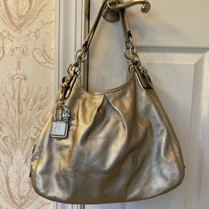 Coach Hobo (color: pewter)